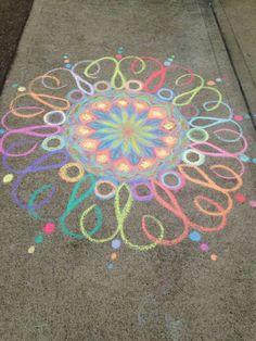 50 Super Fun Summer Sidewalk Chalk Art Ideas - This Tiny Blue House - # Art - Straßenkunst kreide kinder - Chalk Drawings, Art Drawings, Drawing Art, Form Drawing, Nature Drawing, Horse Drawings, Drawing Tips, Chalk Art Christmas, Mandala Art