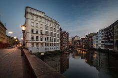 Nikolaifleet Hamburg zur Blauen Stunde