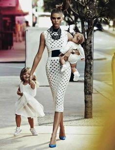 Stylish mama, I wish reality to be like this for ordinary people...
