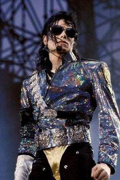Michael Jackson during Dangerous world tour ❤ Michael Jackson Wallpaper, Michael Jackson Pics, Janet Jackson, Michael Jackson Dangerous, Mj Dangerous, Jackson's Art, Jackson Family, King Of Music, The Jacksons