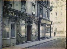 Maison Close (brothel), 16 Rue Blondel: Autochrome photographs of Paris at the turn of the 20th century.