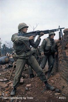 Help locate the Missing Men from the Tet Offensive. Hue Vietnam, South Vietnam, Vietnam Veterans, Vietnam History, Vietnam War Photos, War Photography, Us Marine Corps, Us Marines, Korean War