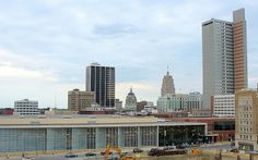 downtown fort wayne indiana  | English: Looking to the northeast at the Fort Wayne, Indiana skyline ...