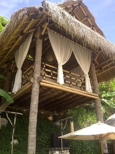 Best Uluwatu Hotels that Perfect Your Trip: Finns beach club, Uluwatu Bali Finns Beach Club, Bali Huts, Bamboo House Design, Bahay Kubo, Gazebos, Building A Treehouse, Bamboo Structure, Bamboo Architecture, Tree House Designs