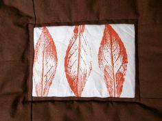 Quilt mit Blätterdruck
