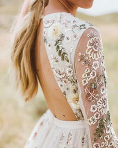 10 Wedding Dress Inspiration Ideas You Will Love is part of Wedding dresses beaded 10 Wedding Dress Inspiration Ideas You Will Love for wedding which never forgets in all life, these sweet, incredib - Cowboy Chic, Boho Wedding, Wedding Gowns, Dream Wedding, Flower Wedding Dresses, Casual Wedding Dresses, Outdoor Wedding Dress, Wedding Hijab, Outdoor Weddings