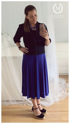 #FletteMia • Cobalt Blue Midi Skirt: #AnnaField •  Black Cardigan: #Mexx • Black Sandals: #HM Putting Outfits Together, Colorful Cakes, Black Cardigan, Cobalt Blue, Black Sandals, My Wardrobe, Midi Skirt, Tulle, Ballet Skirt