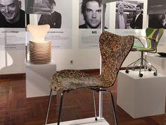 """""""7 Cool Architects"""": Interpretaciones contextuales de la silla Series 7™ de Arne Jacobsen. BIG - Bjarke Ingels Group, Carlos Ott + Ponce de León y Jun Igarashi."""