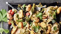 Sadonkorjaajan broileripelti | Uuniruoat | Yhteishyvä My Cookbook, Paella, Pesto, Sprouts, Potato Salad, Recipies, Food And Drink, Potatoes, Chicken
