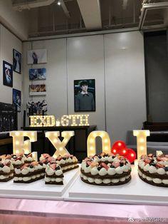Cả thế giới đều có điều kiện tổ chức sinh nhật cho các anh ấy. Trừ tao =))