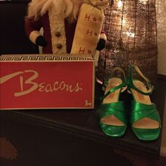 Vintage Shoes Excellent Condition.  Never worn.  Still wrapped in plastic and in original box.  Fabulous Kelly green leather.  A holiday show stopper. Bertocco For Fiammante Shoes Heels