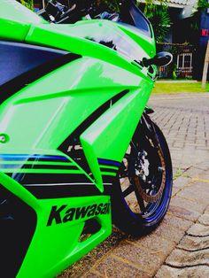 Ninja 250r special edition Kawasaki 250, Kawasaki Ninja 250r, Full Throttle, Super Bikes, Cafe Racers, Car Stickers, Supercar, Beast, Motorcycle