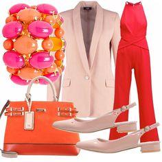 Outfit comodo ma elegante pensato per il lavoro o per una serata elegante che…