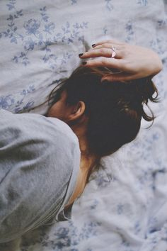 Image about girl in Random pics by AsyA on We Heart It Sleeping Too Much, Foto Pose, Favim, Girl Photography, Alone Photography, Photography Ideas, Crying, Images, In This Moment