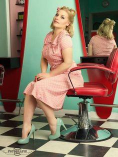 Different Dressed - feminine Retro Mode und viele Labels