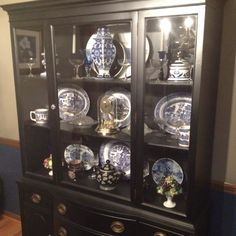 $300 Duncan Phyfe China Cabinet. Love that curvy front and ...