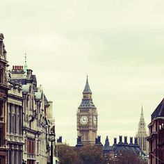 """London"" Decalz @Lockerz"