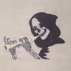 Black cats, black magic, and bad luck: Spellbinding occult-themed embroidery Dark Drawings, Cute Drawings, Que Horror, Pop Art, Macabre Art, Australian Artists, Black Magic, Embroidery Art, Dark Art