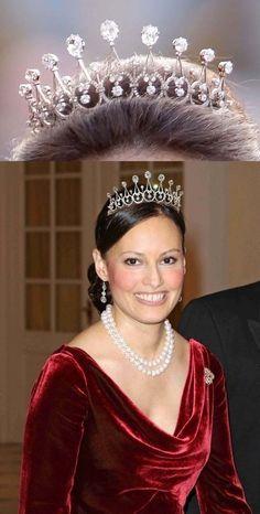 Carina Axelsson wearing the Sayn-Wittgenstein-Berleburg Diamond Spike Tiara. She is a permanent girlfriend of Gustav, Hereditary Prince of Sayn-Wittgenstein-Berleburg.