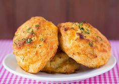 Red Lobster Cheddar Bay Biscuit Recipe - Made these, they're amazing! I forgot to put the sugar in and they turned out just fine.