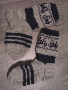 Mummun Jalanjäljillä: helmikuu 2014 Knitting Socks, Hand Knitting, Wedding Color Schemes, Knit Crochet, Barn, Crocheting, Google, Diy, Fashion