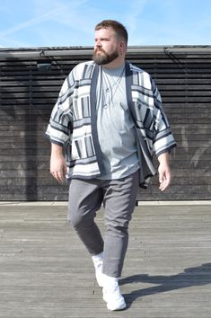 """""""Schick in Strick"""" meets Home Office Chubby Men Fashion, Mens Plus Size Fashion, Large Men Fashion, Fashion Male, Plus Size Mens Clothing, Fat Fashion, Mens Clothing Styles, Outfits For Big Men, Clothes For Big Men"""