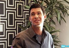 Jeff Lewis I love this wall paper...