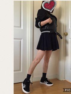 カジュアルなライダース!袖みぢかめ! いろんなタイプが欲しくなりますねー💕 スカートはイロチ。紺。