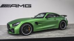 2018 Mercedes-AMG GT R makes US debut looking hellish in green - Autoblog