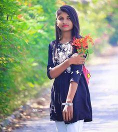 Beautiful Women Pictures, Beautiful Girl Photo, Beautiful Girl Indian, Most Beautiful Indian Actress, Desi Girl Image, Girls Image, Stylish Girls Photos, Girl Photos, Indian Bride Poses