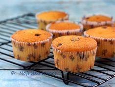 I tweaked the Marble Butter Cake recipe to make these delicious cupcakes for breakfast and there were some leftovers for tea as well. Asian Desserts, Party Desserts, Chinese Desserts, Cupcake Recipes, Cupcake Cakes, Dessert Recipes, Butter Cupcakes, Delicious Cupcakes, Orange Sponge Cake