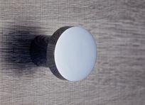 Pomo para puerta mod.C210 de la firma Jandel. Diferentes acabados en mate o brillo.
