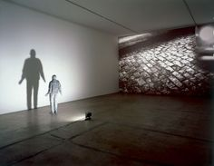 Juan Muñoz Towards the Shadow 1998
