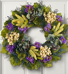 wreath, delicately arranged with dried hydrangea, German statice, sinuate and more