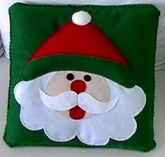 Cute Kids Pillow Design Ideas For Your Childrens – Christmas Cushions, Christmas Pillow, Felt Christmas, Christmas Ornaments, Christmas 2019, Christmas Sewing, Christmas Projects, Holiday Crafts, Holiday Decor