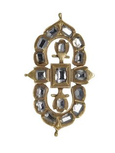 A diamond-set gold mount of symmetrical openwork; c1600 part of the Cheapside Hoard