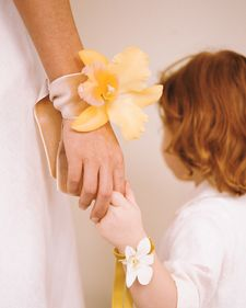 Two-Minute Corsages - Martha Stewart Entertaining