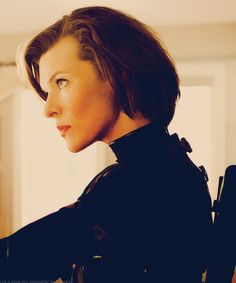 Alice Jovovich the kind of girl you take everywhere Resident Evil Girl, Resident Evil 3 Remake, Corporación Umbrella, Crush Movie, Evil World, Best Superhero, Milla Jovovich, Celebrity Gallery, Gorgeous Eyes
