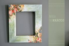 How to use picture frames in interior Design? Frame Crafts, Diy Frame, Ceramic Painting, Painting On Wood, Decoracion Low Cost, Diy And Crafts, Paper Crafts, Picture Frame Decor, Foto Transfer
