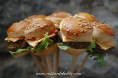Sucettes salées de mini burger (mini burger pops)