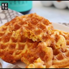 Keto Snacks Discover The Best Keto Chaffle Recipe This simple keto recipe is crispy golden brown sugar-free low-carb and very easy to make. Keto Snacks, Snack Recipes, Dessert Recipes, Pancake Recipes, Crepe Recipes, Diabetic Snacks, Paleo Meals, Paleo Food, Waffle Recipes