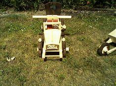 Auto na sedenie pre dieťa vo veku od 3 roky / LadislavKurnota - SAShE. Skateboard, Diet, Tractor, Skateboarding, Skate Board, Skateboards