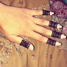 39 Brilliant Mehndi Designs for Fingers That You Can Get For a Simple Look - Mehndi YoYo Mehndi Designs For Fingers, Mehendi, Hand Henna, Hand Tattoos, Design Inspiration, Simple, Rings, Weddings, Beauty