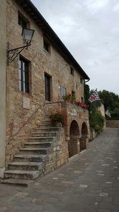 Tuscany details