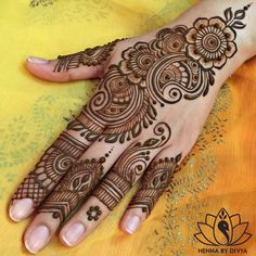 Henna Design Step by Step Images Gallery - Latest Easy Henna Tattoo Designs Step by Step for beginner. this is the best henna design that easy to draw Henna Hand Designs, Eid Mehndi Designs, Mehndi Patterns, Mehndi Design Pictures, Latest Mehndi Designs, Simple Mehndi Designs, Mehndi Designs For Hands, Henna Tattoo Designs, Cone Designs For Hands