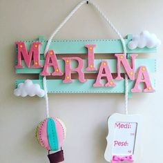 This is so freaking cute Felt Crafts, Diy And Crafts, Crafts For Kids, Diy Letters, Wooden Letters, Baby Door Hangers, Home Room Design, Ornaments Design, Vintage Party