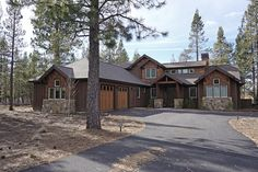 Craftsman Style House Plan - 3 Beds 3.5 Baths 2360 Sq/Ft Plan #892-13 Exterior - Front Elevation - Houseplans.com