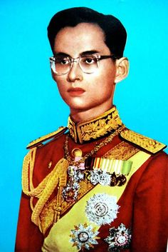 King Bhumibol Adulyadej / Long Live The King of THAILAND King Phumipol, King Rama 9, King Art, King Of Kings, King Queen, King Thailand, Thailand Art, Queen Sirikit, Bhumibol Adulyadej