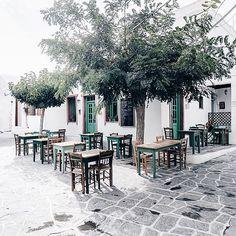 Chora, Folegandros, Greece Greece Map, Greece Islands, Greece Travel, Santorini Villas, Myconos, Travel Light, Crete, Athens, Travel Pictures