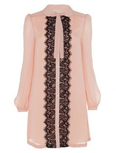 Oh so pretty, the ALICE by Temperley Mini Pirouette Dress is classically feminine. A loosely fitted shirt dress with a detachable blush bow at the collar, fully unbuttoning front placket featuring a wide lace contrast scallop that runs up the centre front from hem to neck.           Fabric Composition: 62% nylon 38% rayon 100% polyester LINING:100% polyester        True to size.        Model is 5ft 10 and is wearing a size 8.        Length of Garment: 84.5cm.